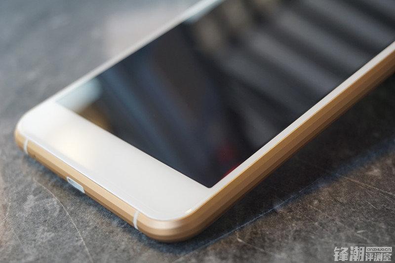 老牌厂商手机处女作:蓝魔MOS1开箱图赏的照片 - 16