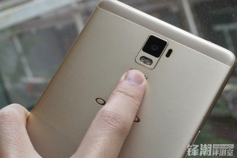 7月23日上市:巨屏OPPO R7 Plus手机开箱图赏的照片 - 15