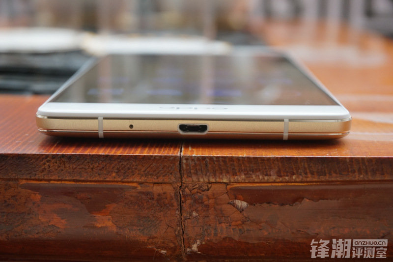 7月23日上市:巨屏OPPO R7 Plus手机开箱图赏的照片 - 14