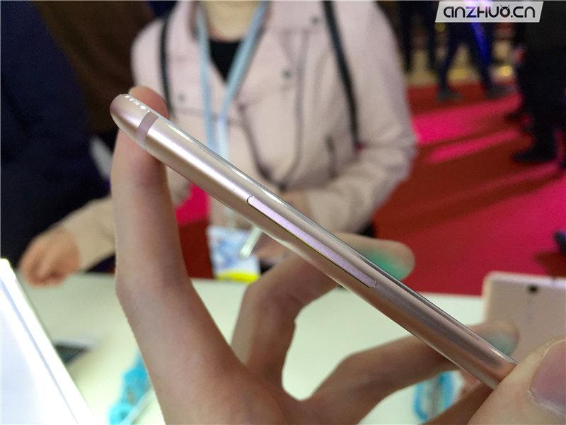 极致轻薄:ivvi i3时尚手机现场图赏的照片 - 12