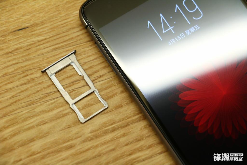 双2.5D玻璃+指纹识别:nubia Z11 mini开箱图赏的照片 - 17