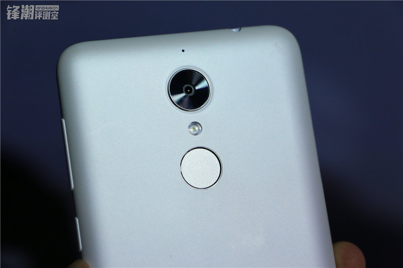 多彩塑料机身 现场秀防水:360手机N4四色图赏的照片 - 23