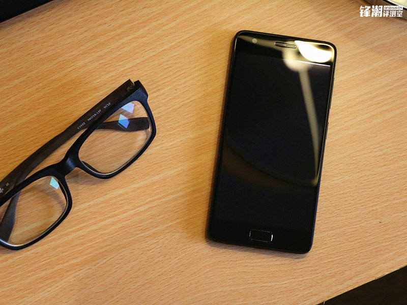 能够超频的骁龙820手机:联想ZUK Z2上手的照片 - 10