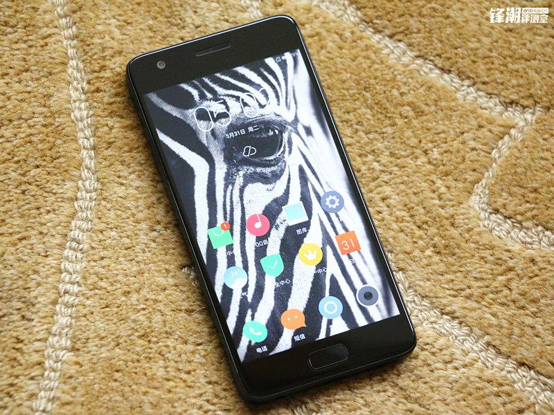 能够超频的骁龙820手机:联想ZUK Z2上手的照片 - 7