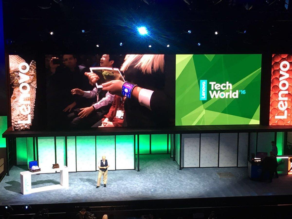屏幕主板电池全部可折叠:联想公布全新可弯曲智能手机的照片 - 4