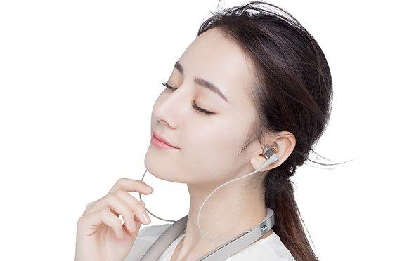 索尼公布1000x系列降噪耳机代言人:果然是这位女神