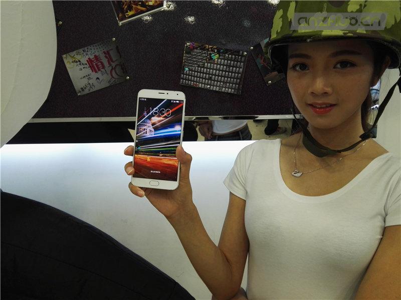魅族手机新旗舰MX5广州首售1799元起的照片 - 13