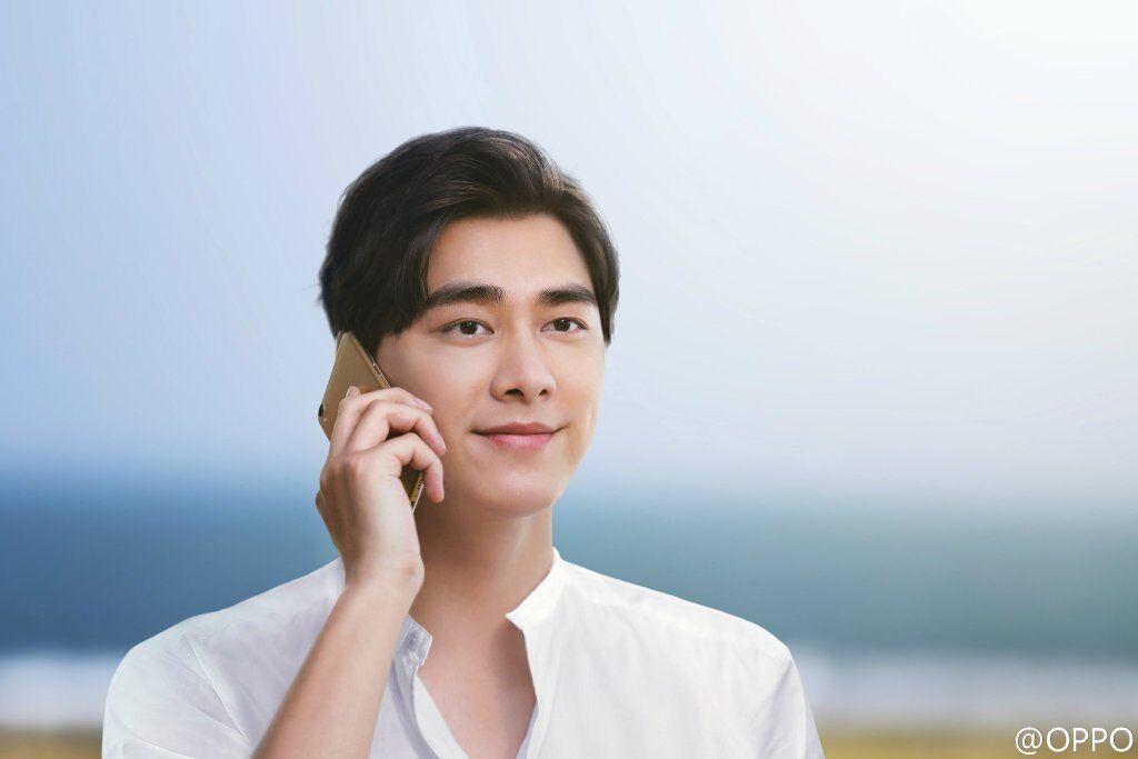 充电五分钟 浪漫两小时:李易峰杨幂携手OPPO R9宣传片的照片 - 2