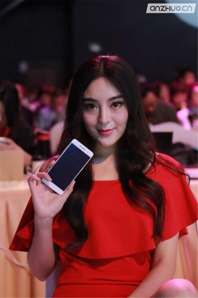 极致轻薄:ivvi i3时尚手机现场图赏的照片 - 17