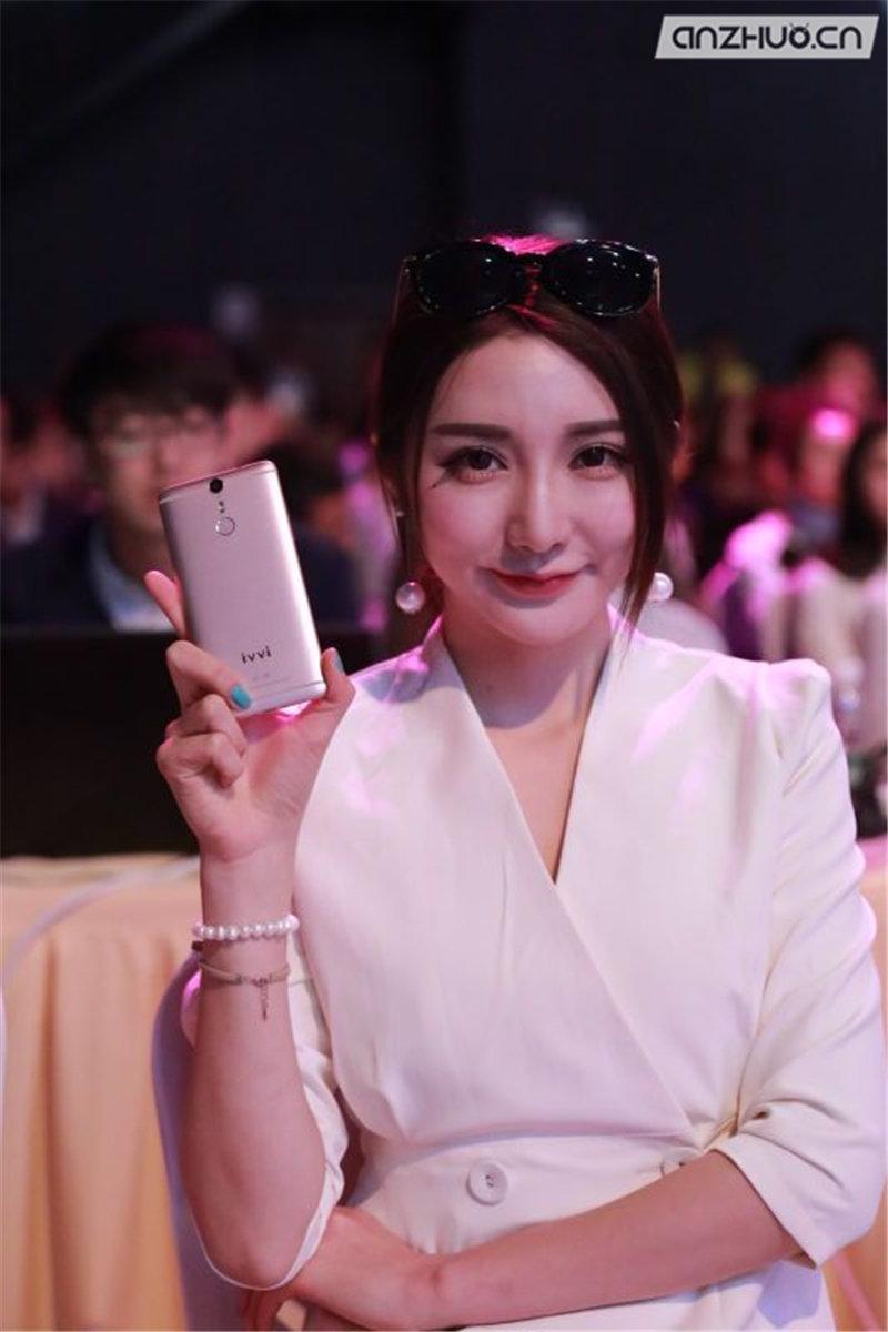 极致轻薄:ivvi i3时尚手机现场图赏的照片 - 15
