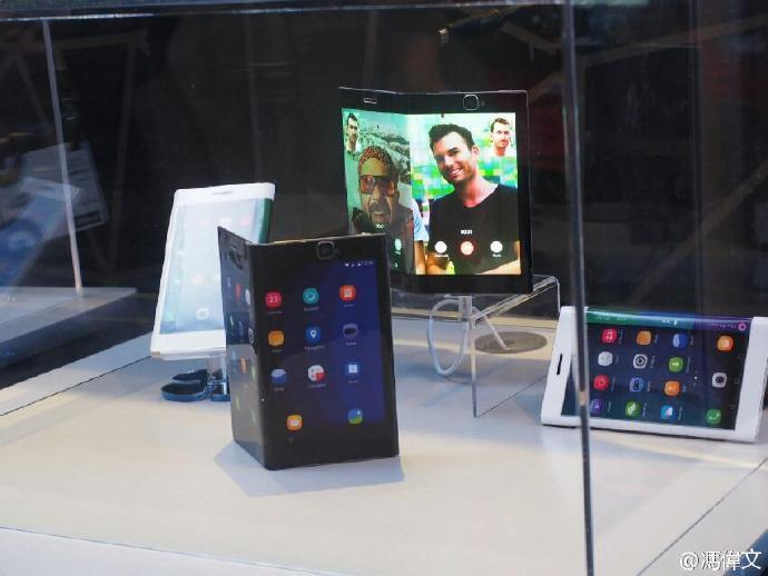 屏幕主板电池全部可折叠:联想公布全新可弯曲智能手机的照片 - 6