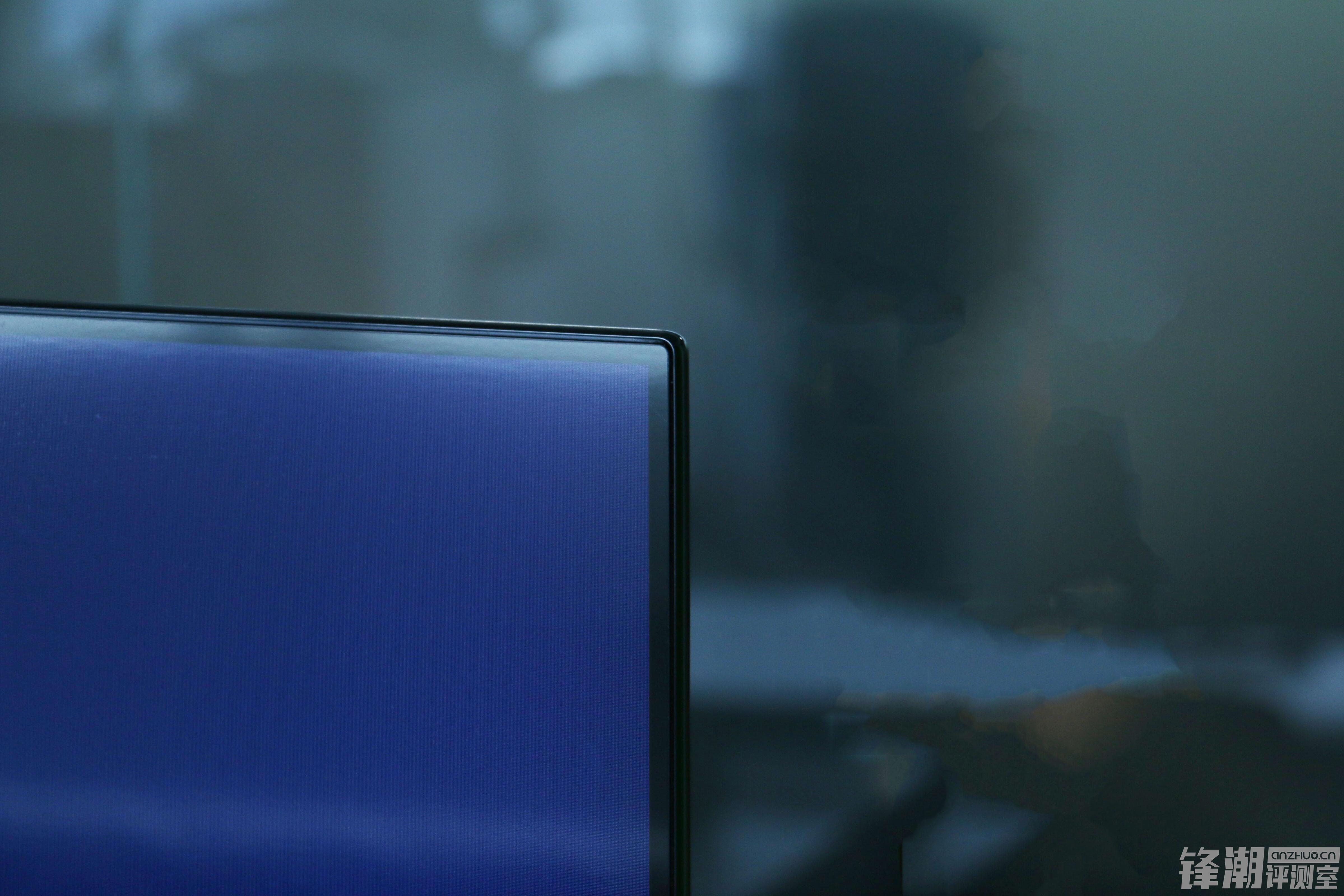 【力皮西】感受极致超薄:AQUOS夏普旷视S60真机图赏