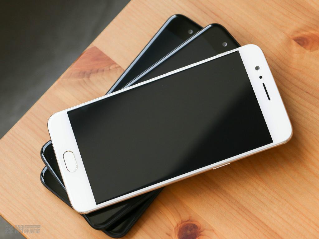 【力皮西】依然清新素雅:一加手机5薄荷金真机图赏