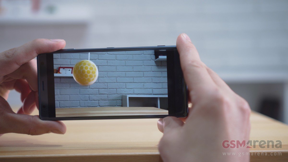 名副其实的小钢炮!索尼Xperia XZ2 Compact 真机图赏 - 热点资讯 首页 第3张