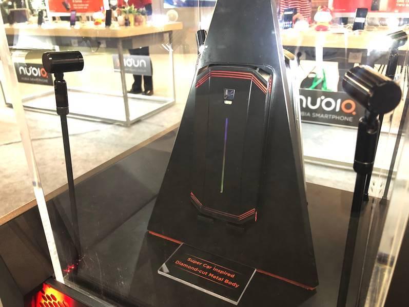 超跑设计+内置4风扇 !努比亚推出黑科技概念游戏手机 - 热点资讯 首页 第3张