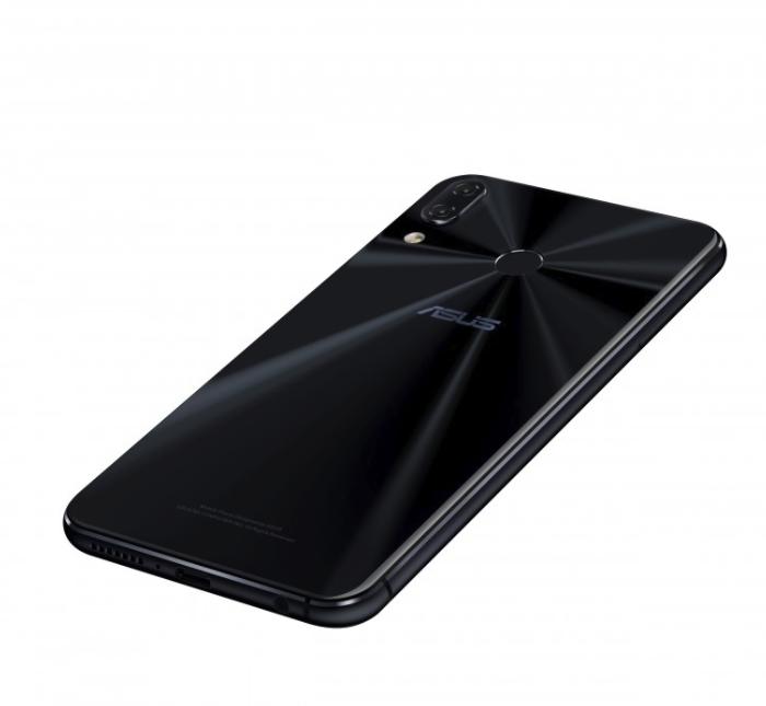 比iPhone X更小的齐刘海!华硕Zenfone 5/5z发布 - 热点资讯 首页 第2张