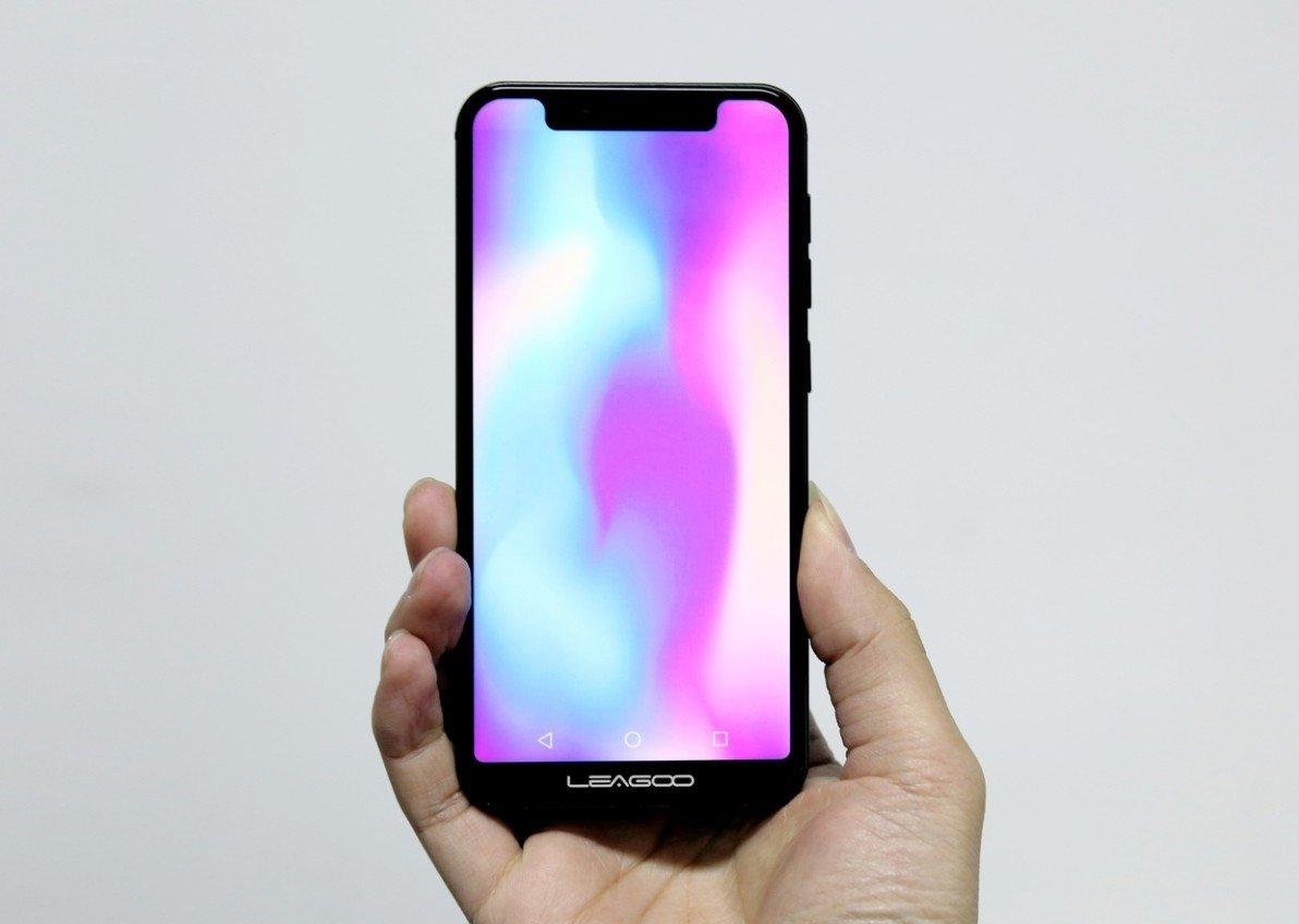 中国厂商MWC展示首款Android iPhone X:售价940元 - 热点资讯 好物资讯 第2张