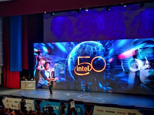 狂送2000颗:Intel x86 40周年纪念版i7-8086K正式开送 - 热点资讯