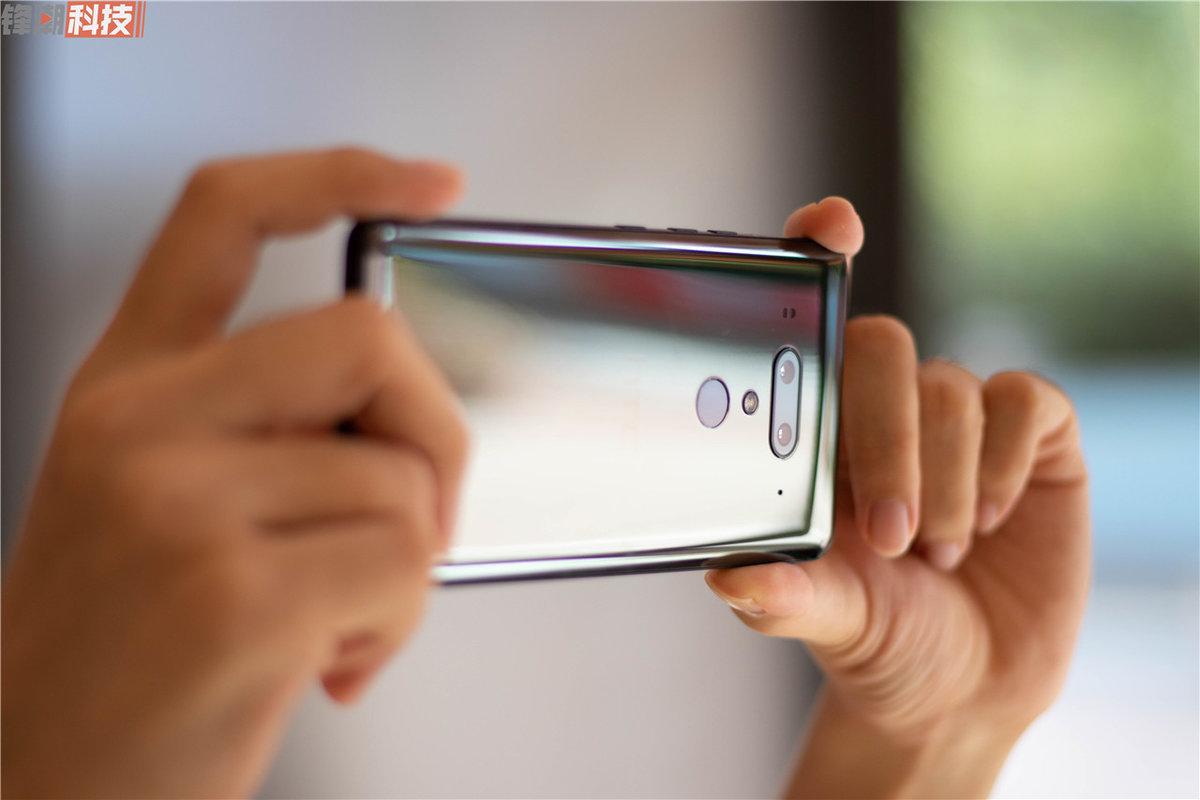 2018年被低估的十款手机?LG/黑莓/HTC 入选 - 热点资讯