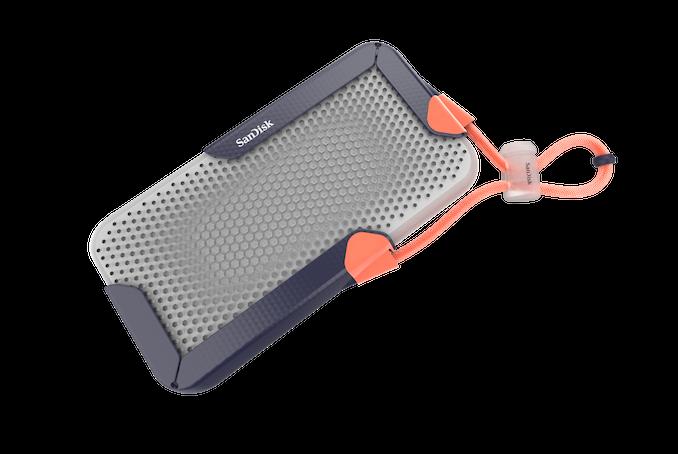 西数展示8TB移动固态硬盘,还有1TB双接口U盘 - 热点资讯