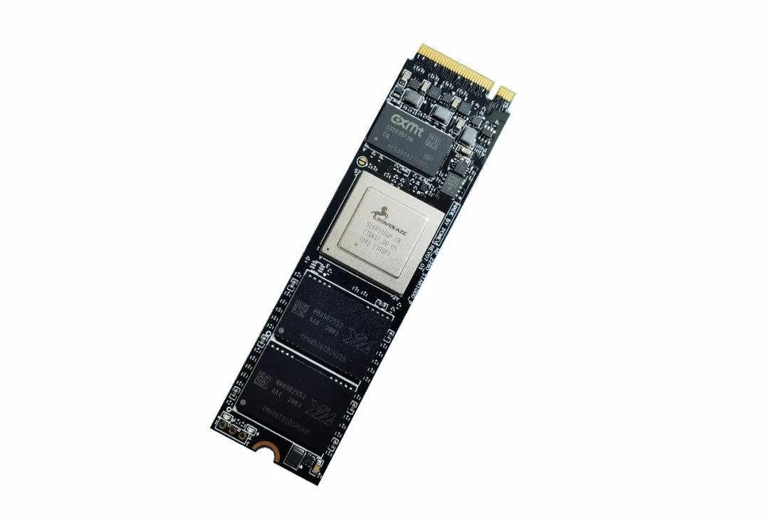 纯国产 SSD!光威推出弈 Pro 高端 NVMe 硬盘 - 热点资讯 专题图文 第3张