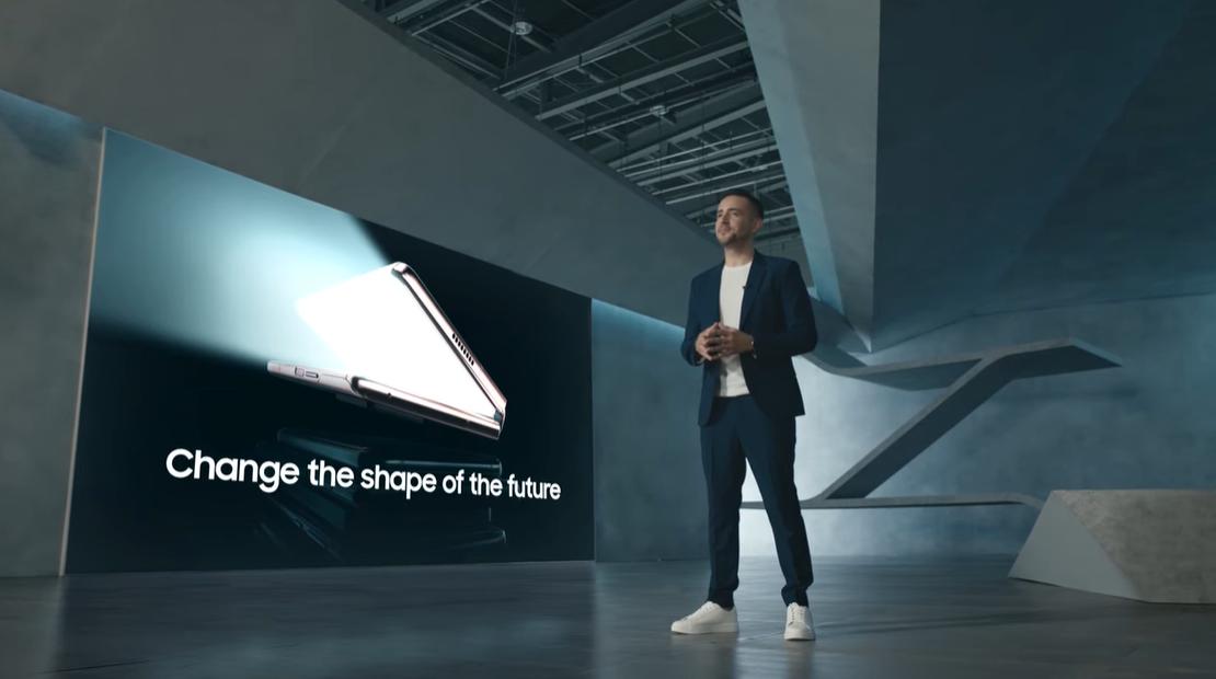 售价超 1.3 万元:折叠新机三星 Galaxy Z Fold2 发布 - 热点资讯 首页 第1张
