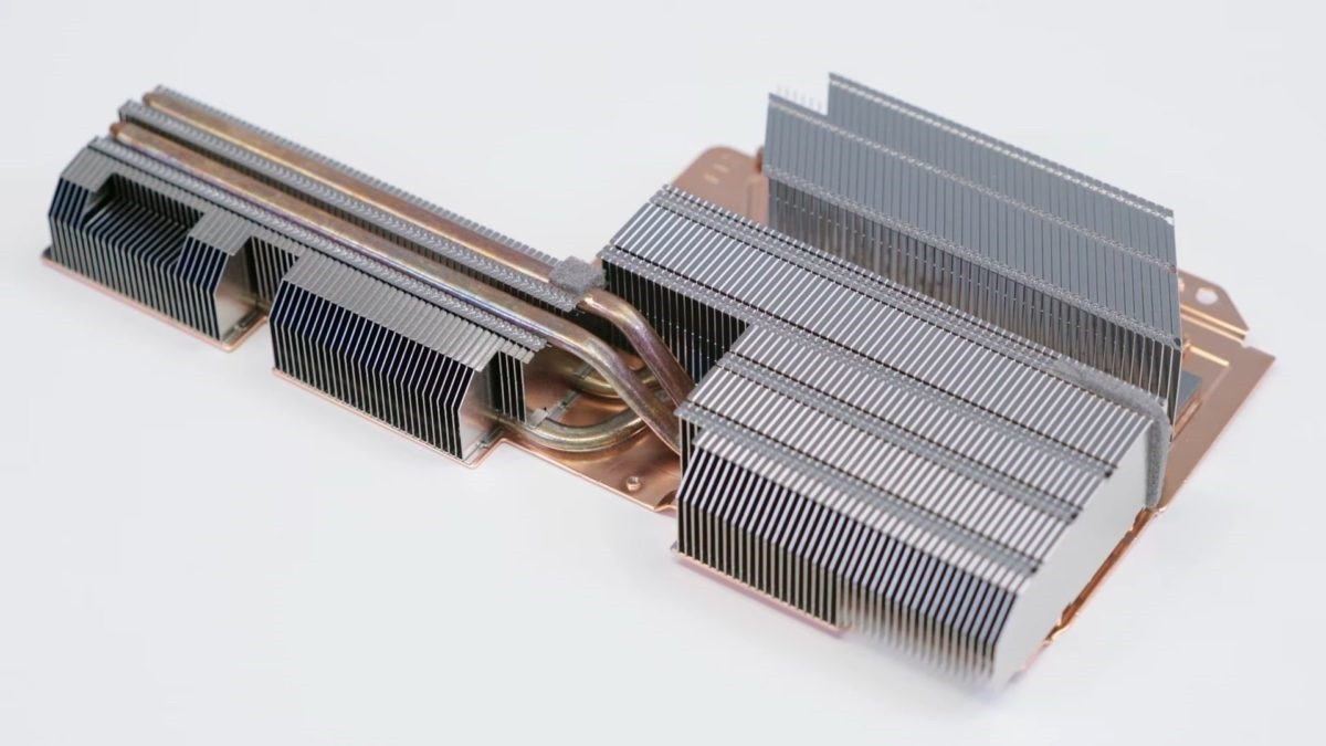 PS5 官方拆解视频发布:豪华散热,内置 M.2 硬盘位 - 热点资讯 每日推荐 第18张