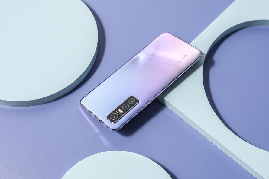 超轻薄5G手机,vivo Y73s即将开启首销 - 热点资讯 首页 第4张