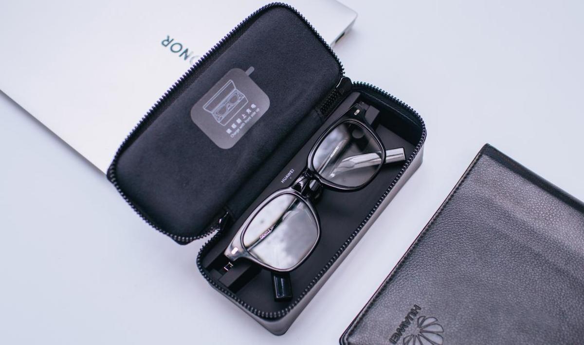 科技与时尚融合的典范,华为GENTLE MONSTER智能眼镜二代亮相时尚先生盛典 - 热点资讯 每日推荐 第4张